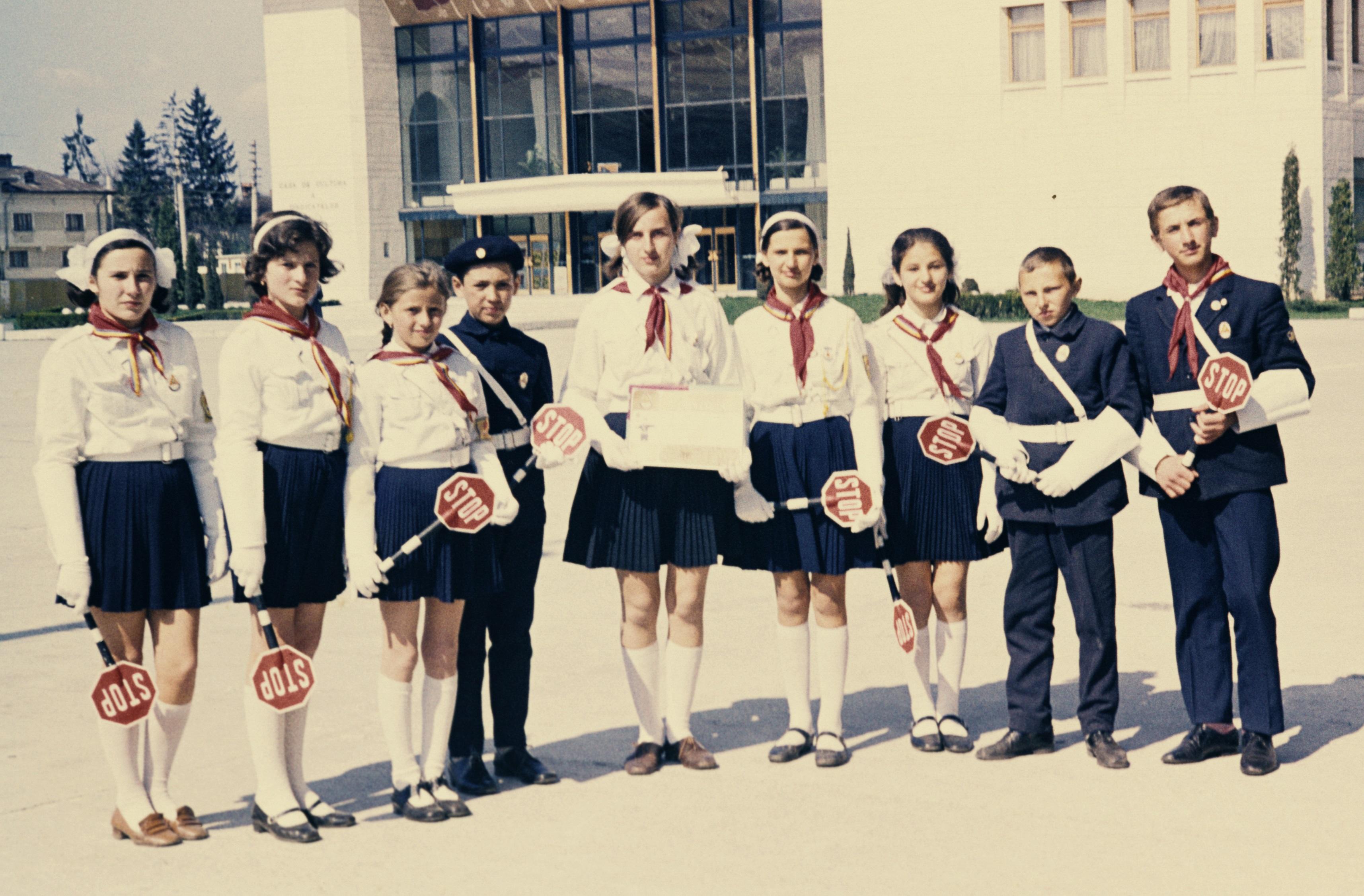 Patrula scolara de circulatie Costesti, anul 1973