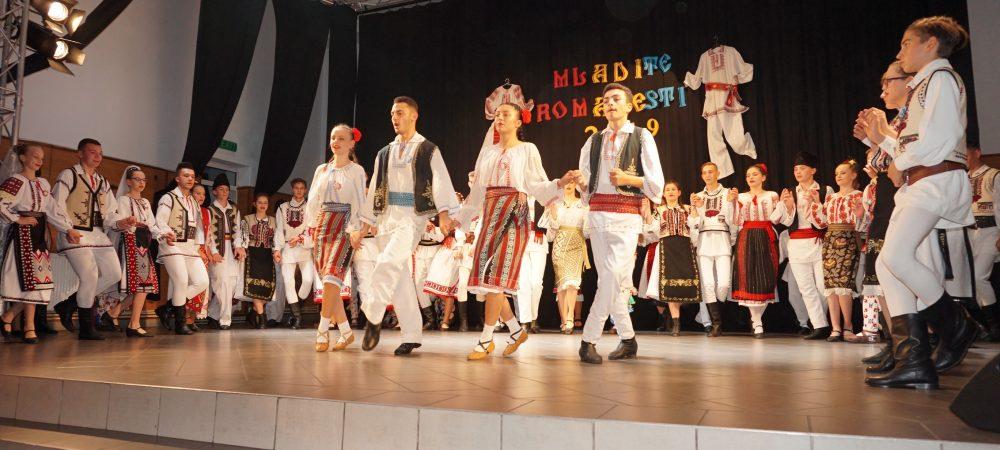 """Ansamblul de Dansuri """"Balada"""" - Colegiul Tehnic Buzău profesor-coregraf Carmenuța-Gabriela TĂNASE"""