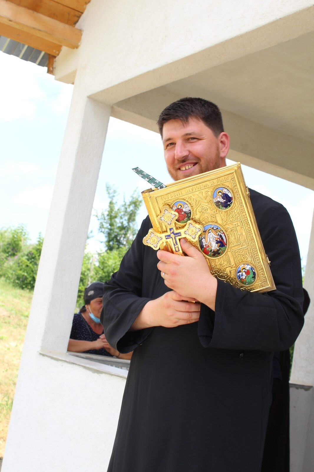 Preotul paroh Gherghina Cristian